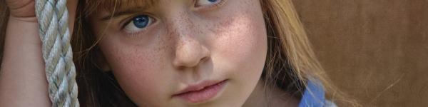 Nena amb pigues