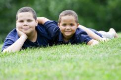 Gairebé la meitat dels nens entre 6 i 9 anys pateix sobrepès i un 20% obesitat