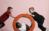 El 30% de los niños mayores de 9 años juega menos de una hora al día