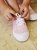 La estética y el confort, lo que más valoramos al comprar el calzado de un niño