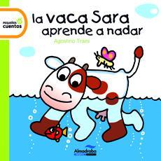 La vaca Sara aprèn a nedar