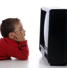 Els nens menors de tres anys no haurien de veure la televisió