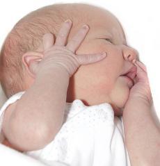Com són els primers moments de vida d'un nadó?