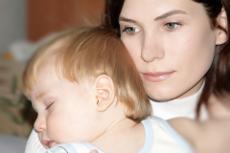 Pares i mares concilien feina i família de manera cada vegada més semblant