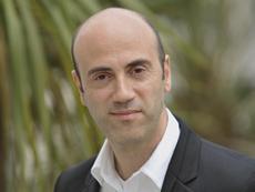 Tomàs Molina: «Aconsello posar-se l'impermeable, les botes d'aigua i sortir quan plou!»