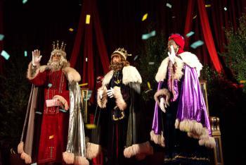 Fotos Papa Noel Reyes Magos.Es Bueno Hacerles Creer A Los Ninos En Los Reyes Magos Y En