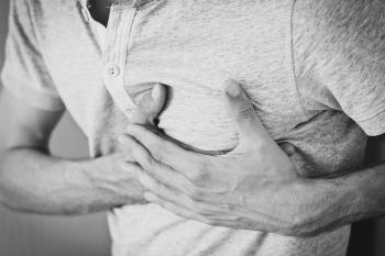 dolor en medio del pecho al toser