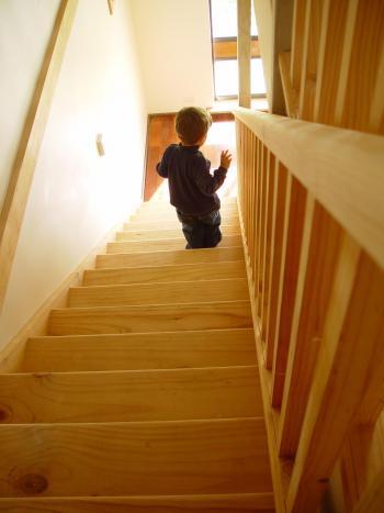 las escaleras de casa pueden ser un peligro para los nios
