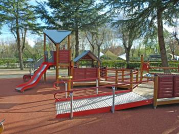 Propuestas para hacer parques infantiles m s accesibles e - Como hacer un parque infantil ...
