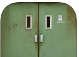 App 100 Doors