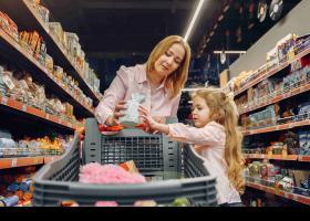 Família fent la compra