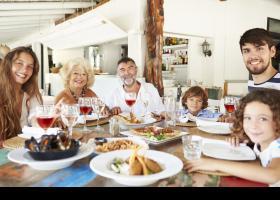 Familia en un restaurante