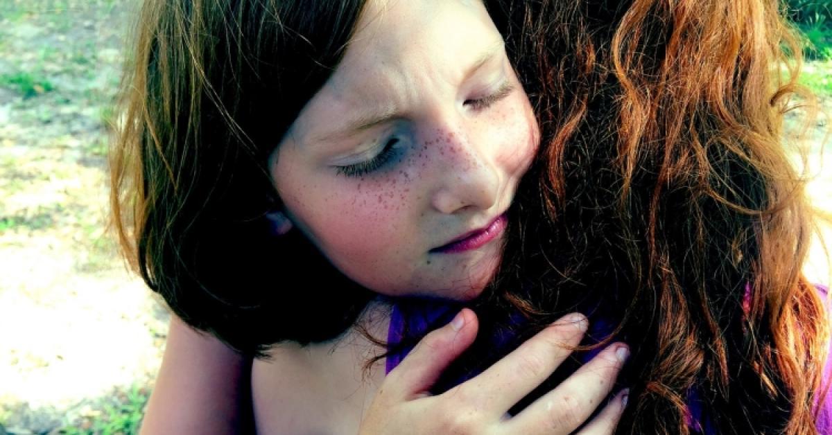 Cómo ayudar a los niños en la muerte y el duelo por un ser querido