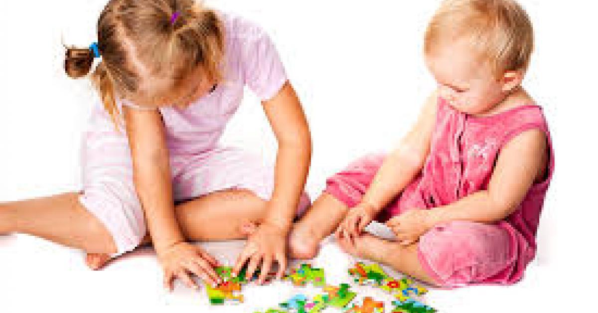 Jugar a puzles estimula a los niños en el aprendizaje de las matemáticas